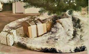 """NWT UGG® Australia XMAS Tree Skirt  by Koolaburra """"Mina"""" Faux Fur 54"""" Gray/White"""