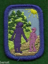 VINTAGE GIRL SCOUT INTEREST PROJECT PATCH - GENERATIONS HAND IN HAND - PURPLE