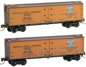 MicroTrains 51844200 Z Western Pacific 40' Wood Reefers (2)
