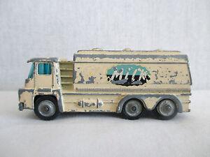 "Camion Citerne, Tanker ""Milk"" - Husky Models. Made in Great Britain"