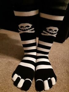 Halloween toe socks one size lovely soft and comfy with skull and crossbones