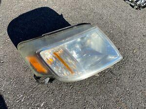 2008-2011 Mercury Mariner Passenger Side Right Headlight Head Light Assembly