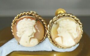 9ct GOLD CAMEO SCREW BACK EARRINGS   ....... A 31E