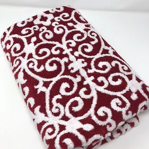 Mind on Design Red White Christmas Holiday Bath Towel Super Soft 100% Cotton