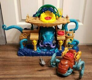Imaginext Aquaman Playset with Sea Creature and Shark