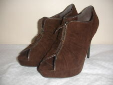 NEW G BY GUESS CARYN Size 9 BROWN RUCHED PEEP TOE ZIPPER SHOES HEELS BEAUTIFUL