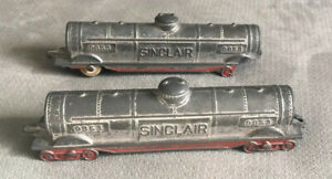 Set Of 2 Sinclair TootsieToy Train Cars 9853 Made In USA