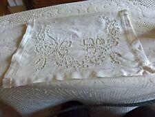 pochette de nuit coton brodée richelieu motif papillon  + fleurs