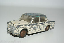 DINKY TOYS 531 FIAT 1200 GRANDE VUE CREAM BLUE GOOD CONDITION