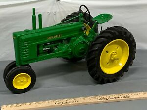 John Deere B Two Cylinder Tractor LARGE 1:8 Toy Tractor Die-Cast Heavy! no Box