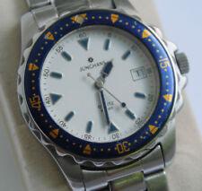 Analoge Junghans Armbanduhren im Vintage-Stil
