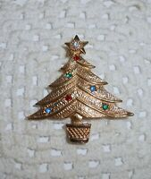 Vintage EMMONS Signed Rhinestone Christmas Tree Brooch Pin Gold Tone  C10