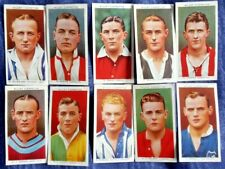 47 CIGARETTE CARDS, Association Footballers (Will's) 1930s, some wear