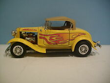 1:18 Scale Road Legend Yellow 1932 FORD ROADSTER CONVERTIBLE Diecast By Yat Ming