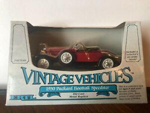 1/43 ERTL VINTAGE VEHICLES 1930 PACKARD BOATTAIL SPEEDSTER RED & BLACK