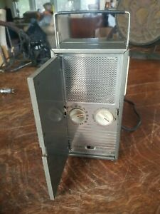 Vtg Deco GE General Electric 140 Portable AC DC Radio Perfect for Restoration
