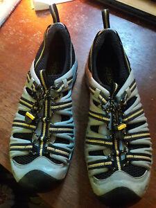 Keen water shoe sandal men's size 10/10.5