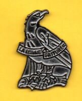 Pin's Lapel pin Pins Aigle Rapace avec poisson EAGLE WITH FISH LA BONNE FRITURE
