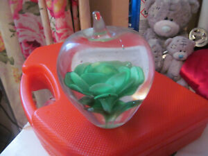 APPLE SHAPED PAPER WEIGHT WITH GREEN OR RED FLOWERS INSIDE HEAVY GLASS