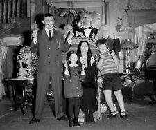 THE ADDAMS FAMILY - TV SHOW PHOTO #E105