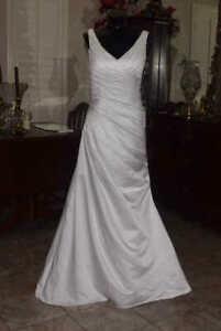 Strapless DAVIDS Bridal WG3551 Gown Wedding Dress Size 6 White REF:DAVIDS 3551