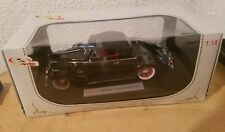 1:18 Signature Models # 18131-1938 Buick Century Convertible Negro/Red Rareza $