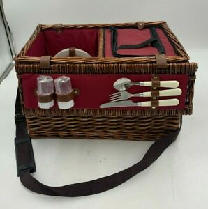 Wicker Picnic Basket Used Good Condition (R4)(A)