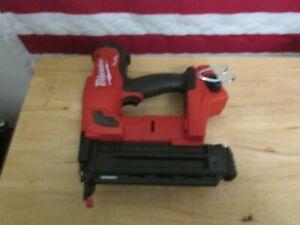 Milwaukee 2746-20 M18 Fuel 18 Gauge Brad Nailer 526