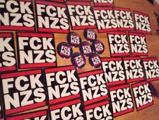 1x FCK NZS Button + 25 FCK NZS Aufkleber Anti Nazi Gegen Nazis Antifa GNWP Punk