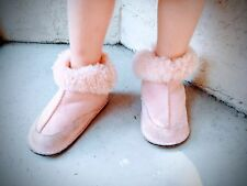 UGG Australia Boo Pink Sheepskin Baby Booties Size M Medium 4-5  $60
