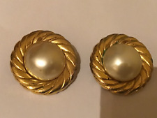 Goldplated Ohrklipps v Chanel France mit imitat Perlen