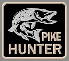 """PIKE HUNTER EMBROIDERED PATCH ~3-1/2""""x 3-1/8"""" BRODÉ MUOKKAA BRODERAD FISHING ROD"""