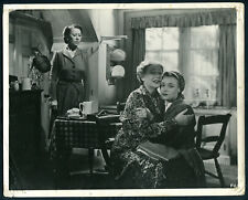 Frieda '47 FLORA ROBSON BARBARA EVEREST GLYNIS JOHNS