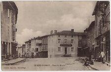 CPA -69-  LE BOIS-D'OINGT - Place du Marché (avec le magasin de l'éditeur).