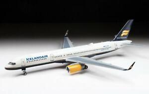 Zvezda Model Kit 7032 Civil airliner Boeing 757-200, scale 1/144