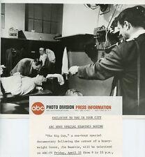 JIM BEATTIE BOXING BOXER IN LOCKER ROOM THE BIG GUY ORIGINAL 1966 ABC TV PHOTO