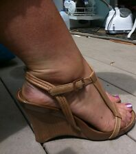 Kenneth Cole Reaction Woman's Well Worn Brown Strappy Sandals Sz 8 Leather Upper