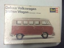 Revell Deluxe volkswagen Station wagon scale 1:25 (y. 1967)i