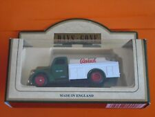 Lledo No 57005 - Diecast Model Of A 1939 Green/White Ford Tanker Truck - CASTROL