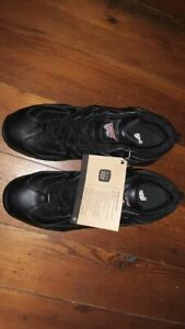 100% AUTHENTIC RED WING 06691 METAL TOE SNEAKER TYPE