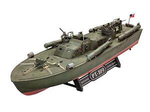 Patrol Torpedo Boat Pt-109 Model Set 1:72 Plastic Model Kit 65147 Revell