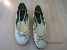 Racere Ballet Slipper, Pearlish Color/Gold-Trim and Bow,Stylish,Great Cond SZ6.5