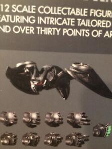 Mezco One:12 BATMAN SOVEREIGN KNIGHT – Batdrone Bat-drone