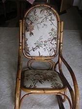 Schaukelstuhl aus Rattan - mit Stoffbezug auf Sitzfläche und Rücken - von 1985