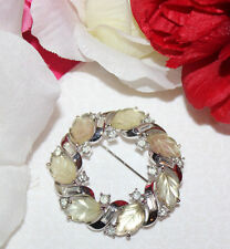 POPULAR CROWN TRIFARI SIGNED RHINESTONE AND LEAF PIN RARE STYLE -EXCELLENT..