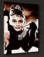 ICONIC MODERN AUDREY HEPBURN FILM WALL ART MANY COLOURS CANVAS PRINT PICTURE