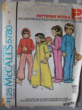 """Sin cortar 70s De Colección Pijamas desvanecida Bata McCall's 5780 Childs patrón de costura 2 21"""""""