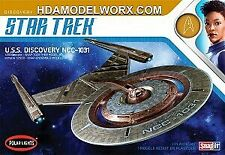 Polar Lights 961 1/2500 Star Trek USS Discovery 2t Plastic Model Kit