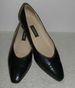 Bally Women's Navy Leather Shoes Size 7.5