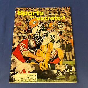 JIM TAYLOR Hand Signed on cover  Sports Illustrated Issue September 10, 1962